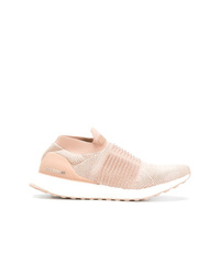 Chaussures de sport roses adidas
