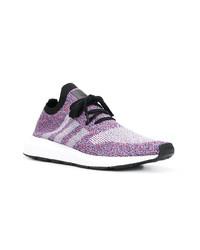 Chaussures de sport violet clair