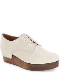 Chaussures derby en cuir beiges