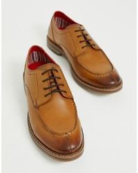 Chaussures derby en cuir marron clair Base London
