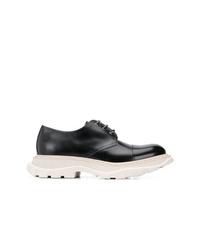 Chaussures derby en cuir noires et blanches Alexander McQueen