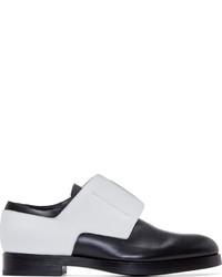 Chaussures derby en cuir noires et blanches Pierre Hardy