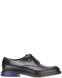 Chaussures derby en cuir noires Fendi