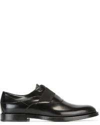 Chaussures richelieu en cuir noires Fendi
