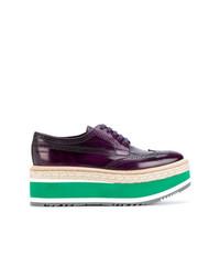 Chaussures richelieu en cuir pourpres foncées Prada