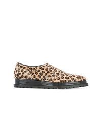 Chaussures richelieu imprimées léopard marron clair Sacai