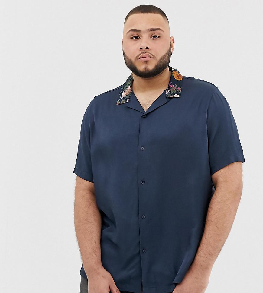 Chemise à manches courtes en soie à fleurs bleu marine ASOS DESIGN