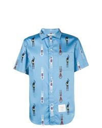 Chemise à manches courtes imprimée bleu clair Thom Browne
