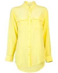 Chemisier boutonné en soie jaune