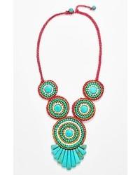 Collier orné de perles turquoise
