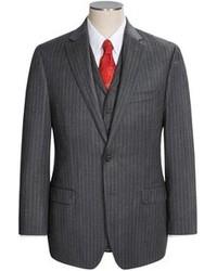 Costume à rayures verticales gris foncé