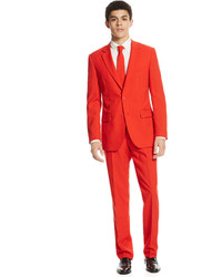 Costume rouge