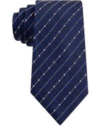 Cravate à carreaux bleu marine