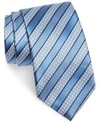Cravate à rayures horizontales bleu clair