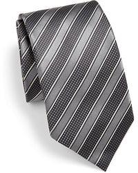 Cravate à rayures horizontales gris foncé