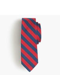Cravate à rayures horizontales