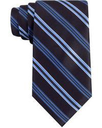 Cravate à rayures verticales bleu marine