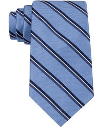 Cravate à rayures verticales bleue
