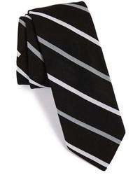 Cravate à rayures verticales noire et blanche