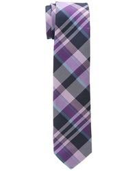 Cravate écossaise pourpre