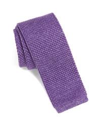Cravate en tricot violette