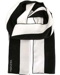 Acheter écharpe blanche et noire femmes  choisir écharpes blanches et noires  les plus populaires des meilleures marques   Mode femmes   Lookastic France 0cc8e92b6d1