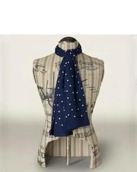 Écharpe en soie á pois bleu marine et blanc