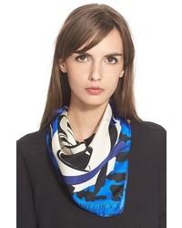 Écharpe en soie imprimée bleue