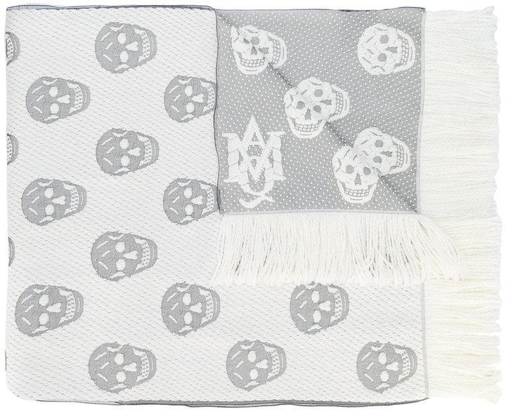 Écharpe en tricot blanche Alexander McQueen