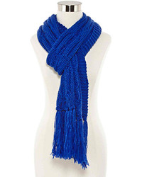 Écharpe en tricot bleue