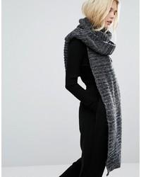 Écharpe en tricot grise foncée Pieces