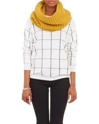Écharpe en tricot moutarde
