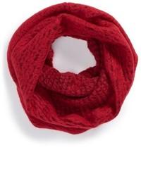 Écharpe en tricot rouge