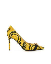 Escarpins en cuir imprimés jaunes Versace
