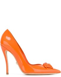 Escarpins en cuir orange Versace