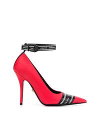 Escarpins en cuir rouges Versace