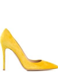Escarpins en daim jaunes Gianvito Rossi