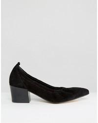Escarpins en daim noirs Asos