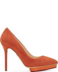 Escarpins en daim orange Charlotte Olympia