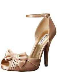Escarpins en satin dorés