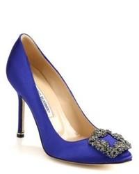 Escarpins en satin ornés bleus