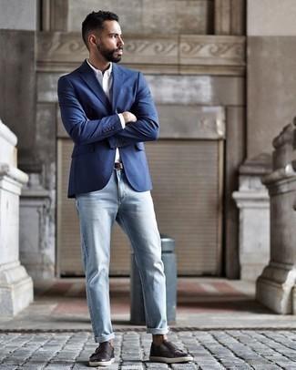 Comment porter des double monks en cuir marron foncé: Essaie de marier un blazer bleu avec un jean bleu clair pour achever un look habillé mais pas trop. Choisis une paire de des double monks en cuir marron foncé pour afficher ton expertise vestimentaire.