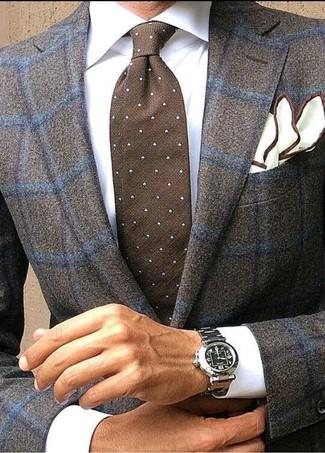 Comment porter: blazer en laine à carreaux marron foncé, chemise de ville blanche, cravate á pois marron foncé, pochette de costume blanche