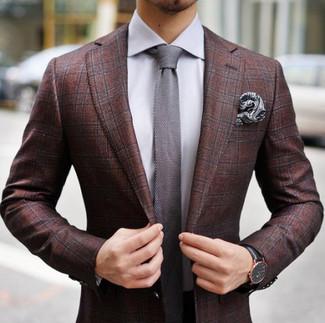 Comment porter: blazer écossais bordeaux, chemise de ville grise, cravate en tricot grise, pochette de costume imprimée cachemire grise