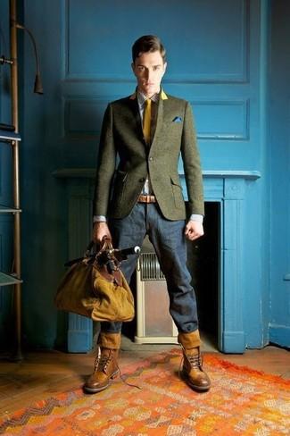 Comment porter: blazer en laine olive, chemise de ville en vichy blanche, jean bleu marine, bottes brogue en cuir marron
