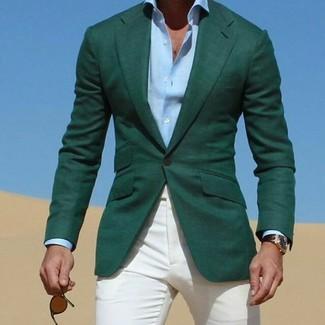 Comment porter: blazer vert foncé, chemise de ville bleu clair, pantalon chino blanc, lunettes de soleil marron foncé