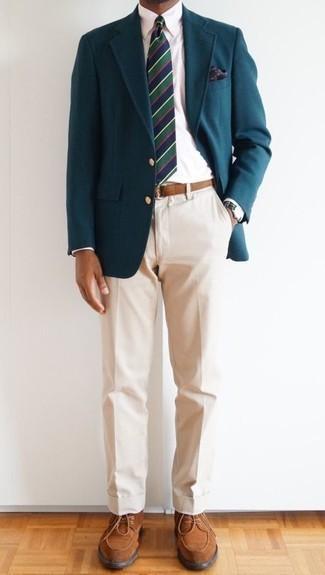 Des chaussures derby à porter avec un pantalon chino beige: Essaie de marier un blazer bleu canard avec un pantalon chino beige pour prendre un verre après le travail. Jouez la carte classique pour les chaussures et assortis cette tenue avec une paire de des chaussures derby.