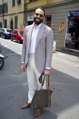 Comment porter des lunettes de soleil: Opte pour un blazer en vichy gris avec des lunettes de soleil pour une tenue idéale le week-end. Opte pour une paire de monks en cuir marron pour afficher ton expertise vestimentaire.