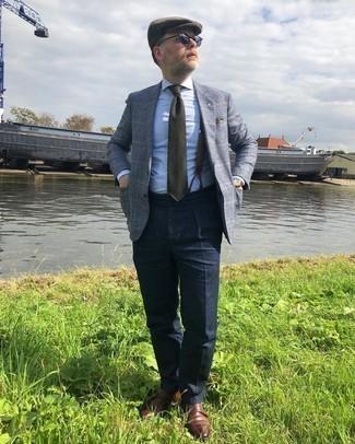 Comment porter des lunettes de soleil gris foncé: Harmonise un blazer écossais gris avec des lunettes de soleil gris foncé pour un look idéal le week-end. Ajoute une paire de double monks en cuir marron à ton look pour une amélioration instantanée de ton style.