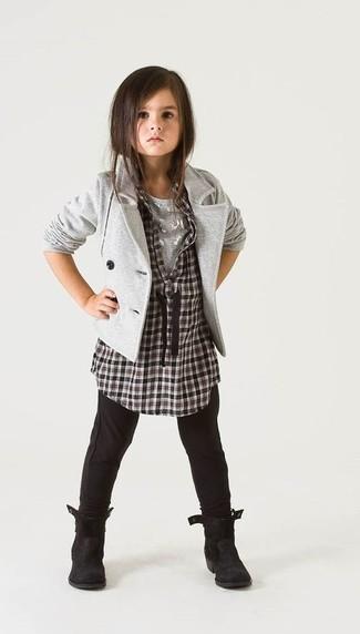 Comment porter: blazer gris, chemise de ville à carreaux noire et blanche, t-shirt gris, leggings noirs